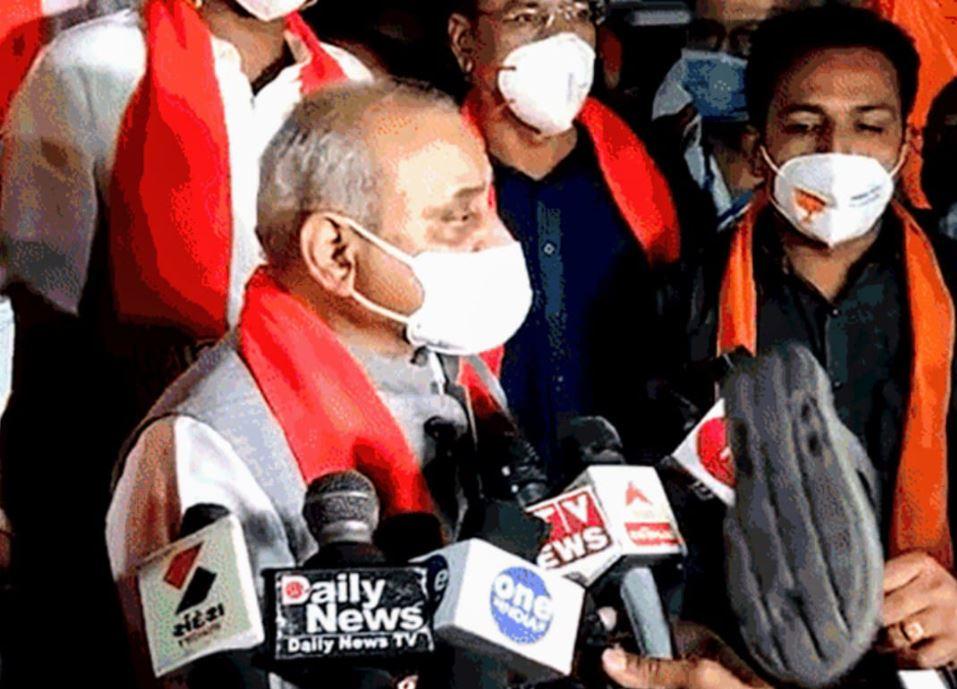 Sleeper hurled at Dy CM Nitin Patel