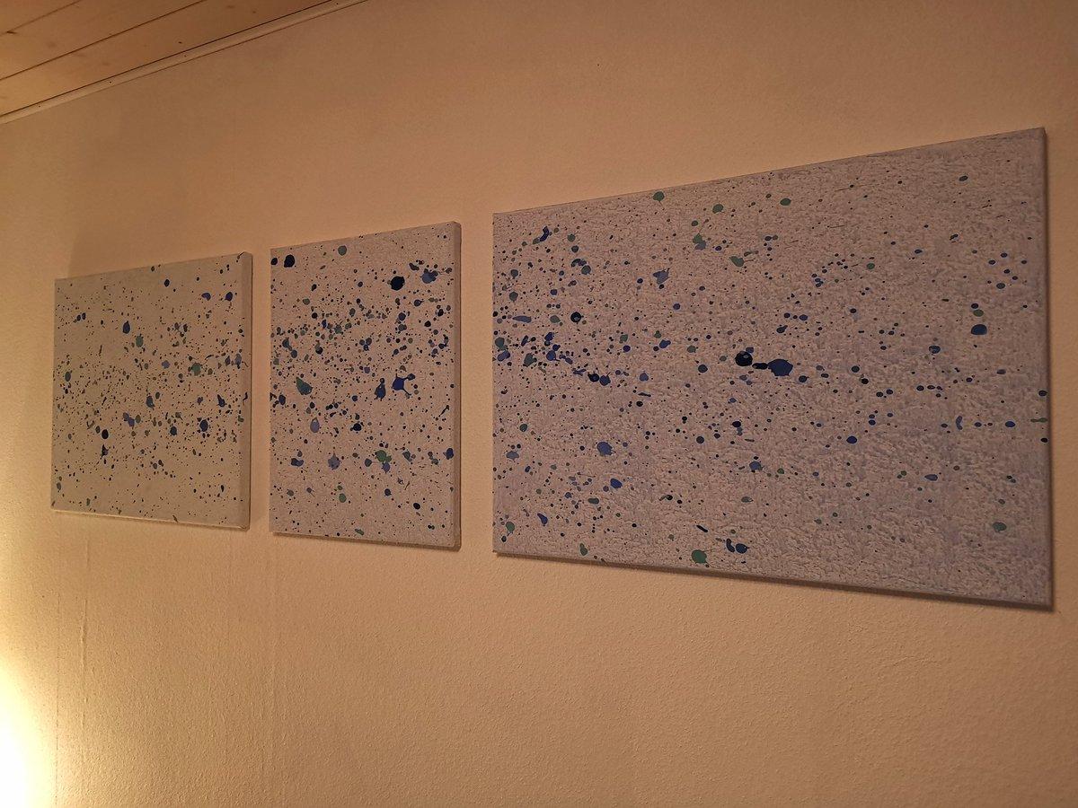 Habs endlich geschafft mein Triptychon, das ich sehr liebe aufzuhängen.  K1: