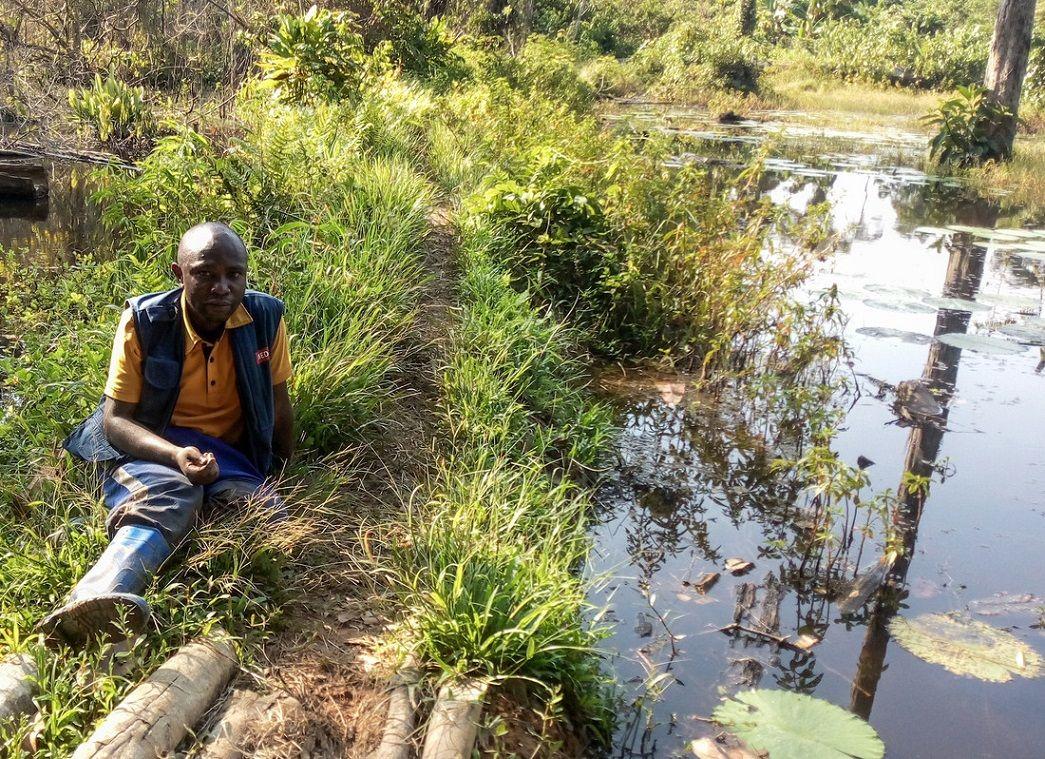 Hoe ver durf jij te gaan voor mensen in nood? Lees hier het verhaal van Moise die dagenlang onderweg was om een dorp in DR Congo te bereiken met levensreddende hulp. https://t.co/r3xTkDHdAA  #DRC #cholera #jungle #goeddoel #cleanwater #noodhulp #stichting https://t.co/o9TKtnj3Sl