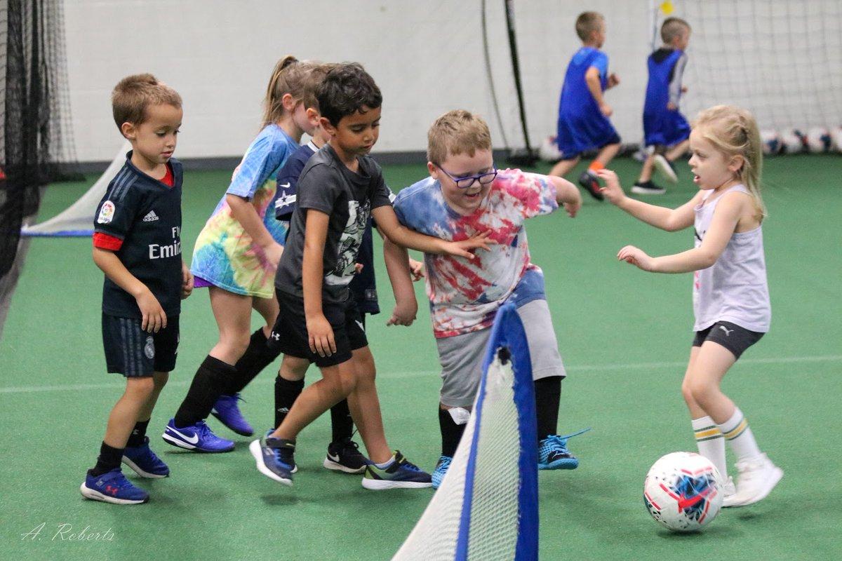 Our Sunday Clinic! #lovethegame #soccerislife #soccertraining https://t.co/7oHvqSLKIx