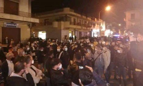 Proteste a Vittoria contro il Dcpm del Governo, avviata indagine dalla questura di Ragusa - https://t.co/s75Tsb5jhK #blogsicilianotizie