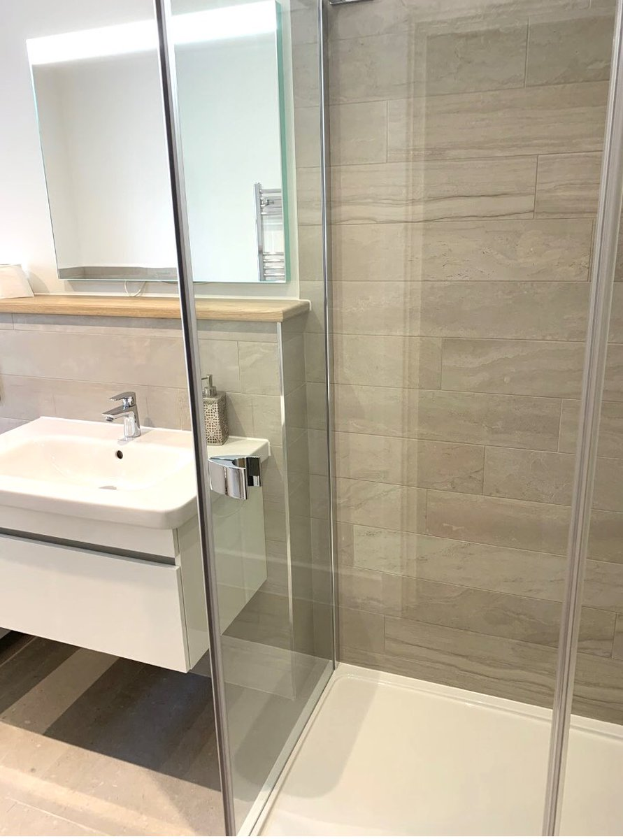 Starting the week off with another completed bathroom project ✅   Great work by our team at Ruletown.   We hope everyone has had a good weekend. We are looking forward to sharing some more developments with you this week 👍🏻  #bathroom #project #new #build #newhome https://t.co/32B76bIMXj