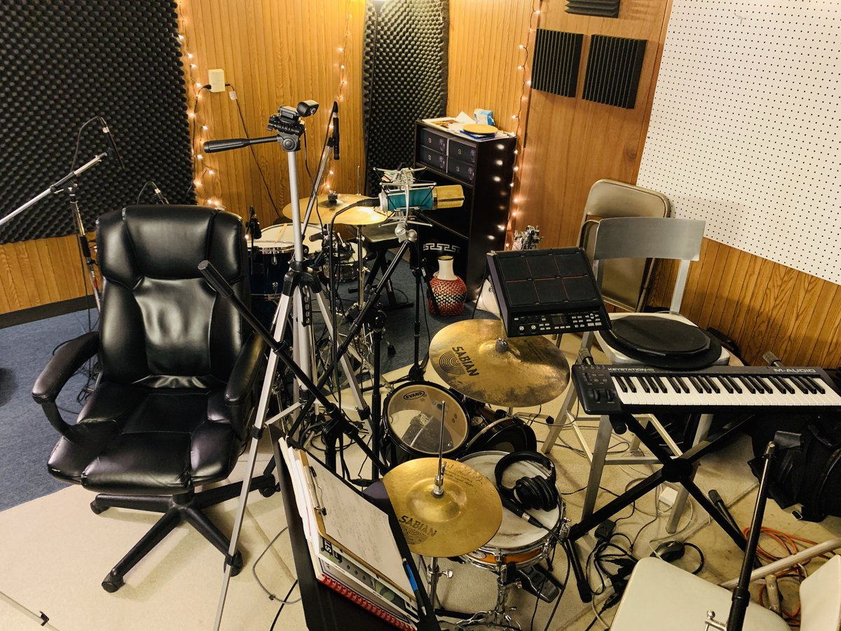Gear overload! Setup for safe online lessons in #drums #percussion #recording #musicproduction #logicprox #songwriting #lyricwriting #musicbusiness - find out more at https://t.co/X5bIGvd5QL  #musiclessons #musicteacher https://t.co/IzsC4pjQys