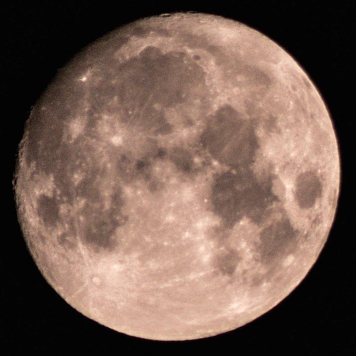 Water? Wow! The moon has water! #MoonWater #astrophotography #nightphotography #luna #observethemoon #skywatcher #canont7i  #canonnightphotography #canonmoonphotography #canonastrophotography #moonshots #moons #WaterOnTheMoon https://t.co/yy3lvyigPQ