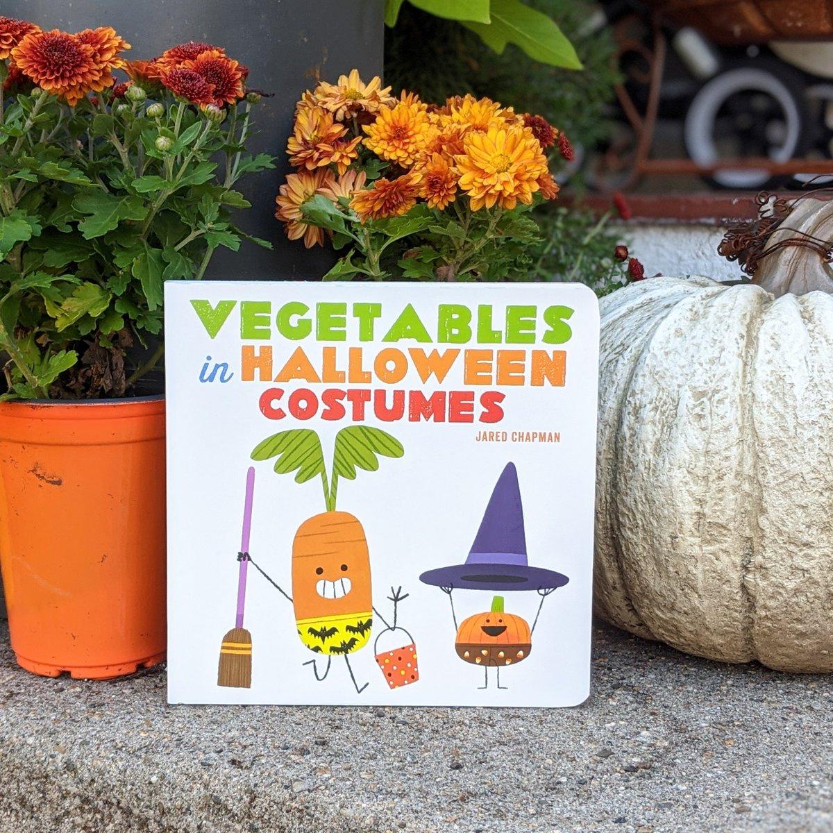 What's your pumpkin dressing as for Halloween? 🎃  @jaredchapman  #NationalPumpkinDay #VegetablesInUnderwear https://t.co/mqmmJcmqy1