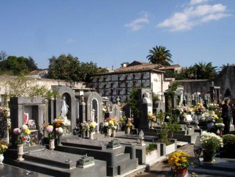 Commemorazione dei defunti, cimiteri aperti tutta la settimana, ripristinata prenotazione on line - https://t.co/RxI9VNDjz1 #blogsicilianotizie
