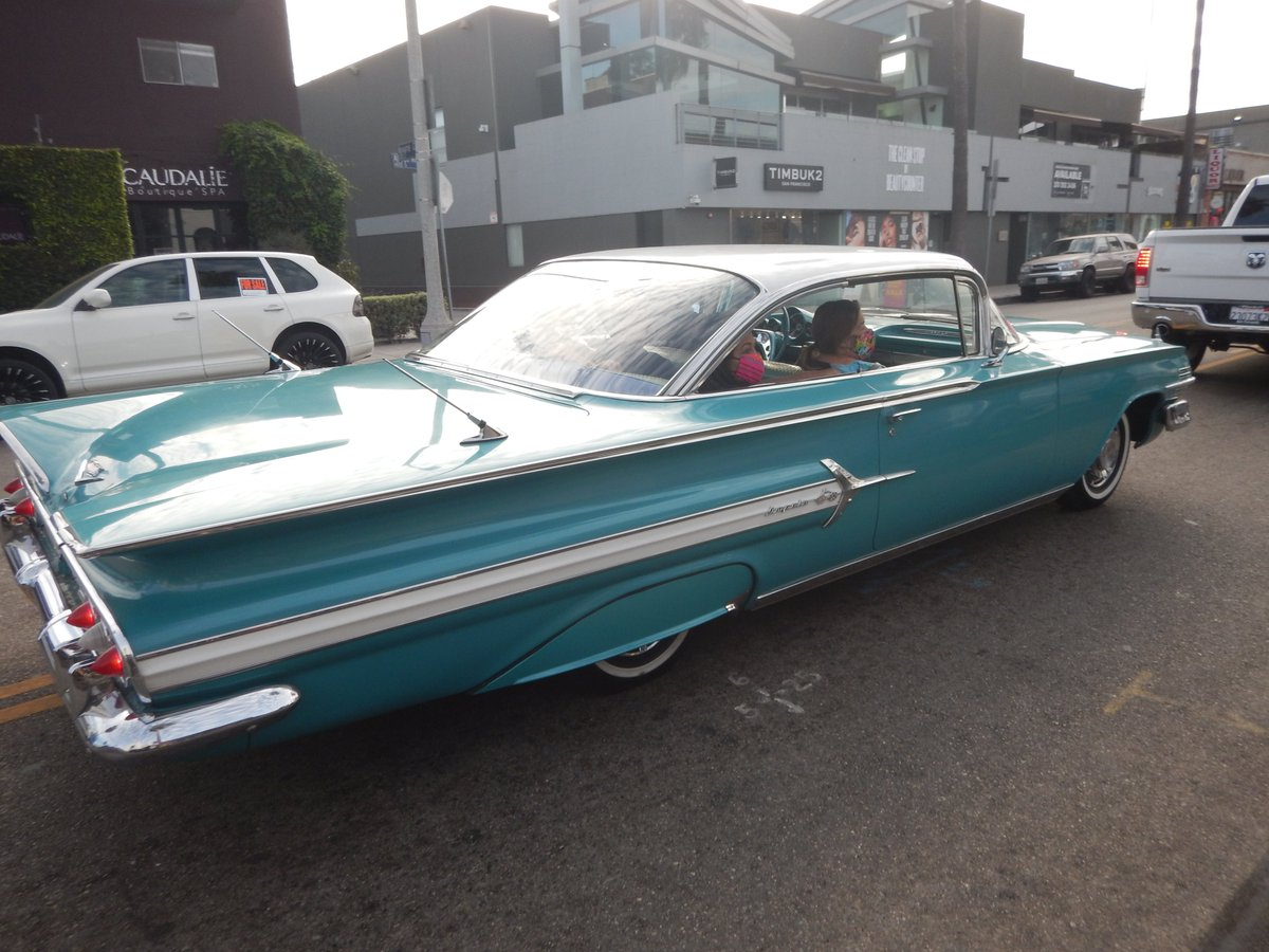 #respect your #elders !!!  #greencloudartorg #photos #dogtown #doorstown #VeniceBeach #classiccar #classiccars #Lowrider #LA #Losangeles #soliclarity #classic #vintage #oldschool #car #cars #autos https://t.co/okTt5WJFkQ