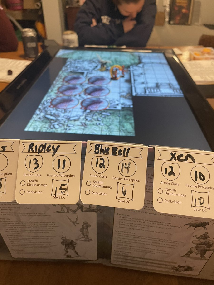 Great #DnD session last night! I love using minis with electronic maps! #TTRPG https://t.co/9fIANV7H6x