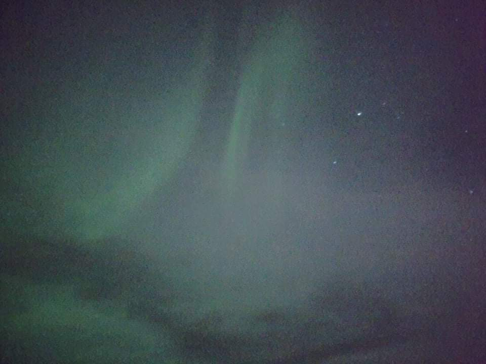 🌌今晩の、ほぼリアルタイムのオーロラです! シンクベトリルよりさらに写真を送って頂きました!#オーロラ #シンクベトリル国立公園 #アイスランド https://t.co/gq0AtCLojp