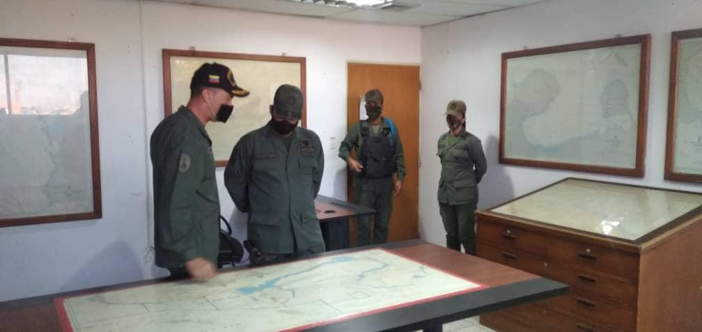 Inspección de Régimen Especial de Seguridad a las Unidades y Establecimientos Navales acantonadas en @AB_BNFA B/Z por la mística y espíritu de trabajo. @ArmadaFANB @AB_SECOMJEMAB https://t.co/suvJgGzZ5W