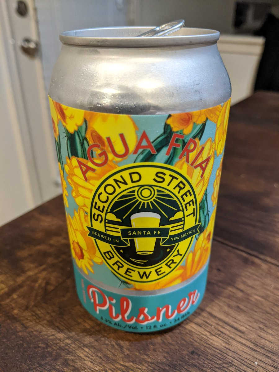Getting into the swing of fatherhood so now I can finally open up my NM beer care package. Loving this one from @SecondStBrewery , great way to end a Monday. 🍻  #nmbeer #secondstreetbrewery #pilsner #aquafria #craftbeer https://t.co/6xulnBGoaK
