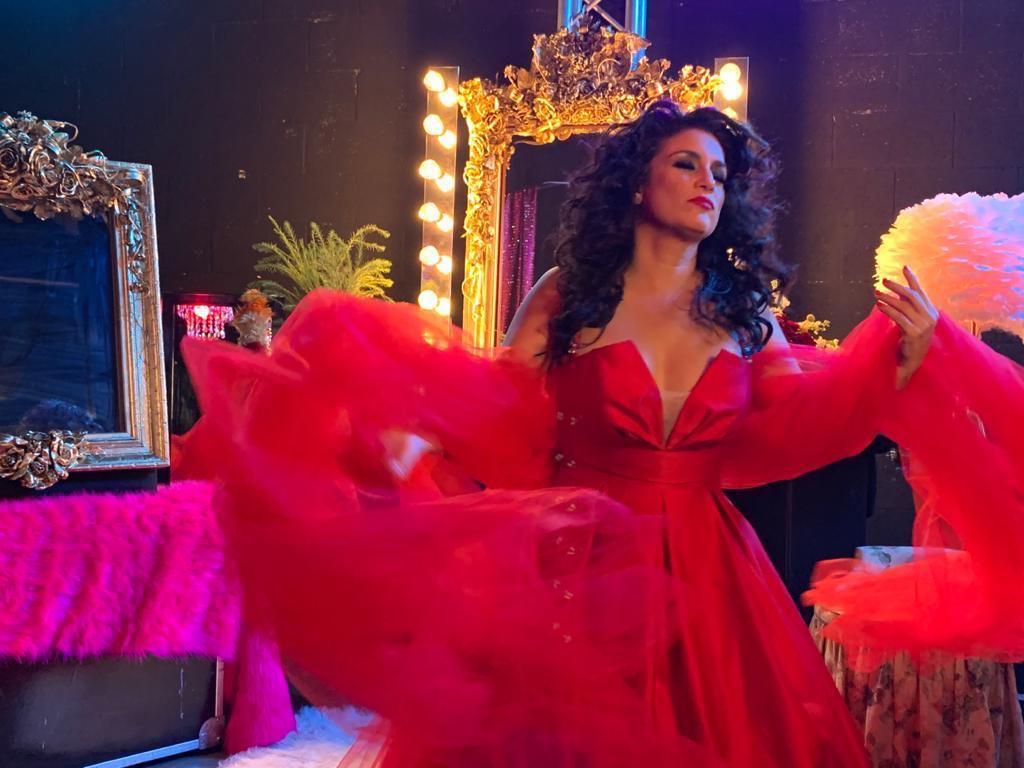 "Karina se reinventa con el promocional ""Me quiero"" https://t.co/Bnt4ycfs55 #Música #EUVzla #YoMeQuedoEnCasa https://t.co/c0YbkgYpFm"