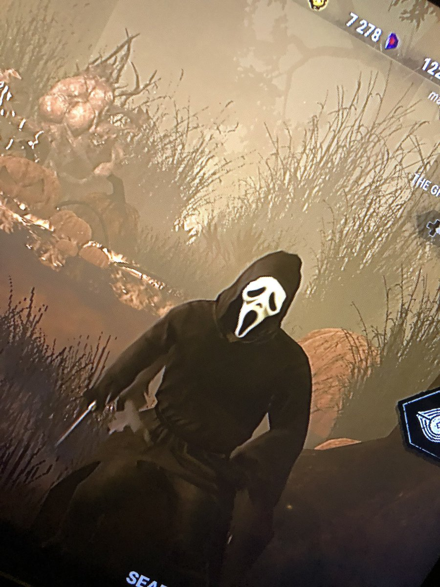 Switched to #deadbydaylight over on #twitch come hang out! #horror #horrorgames #stream #streamer #twitch #twitchstreamer #ps4 #playstation #thetomorrowknight https://t.co/NaornwfrtO
