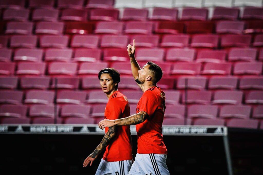 Darwin Núñez com a camisola do Benfica:  vs Famalicão 🅰️🅰️ vs Moreirense 🅰️ vs Farense 🅰️ vs Rio Ave 🅰️ vs Lech ⚽️⚽️⚽️ vs. Belenenses ⚽️ https://t.co/pggxmiuq3B