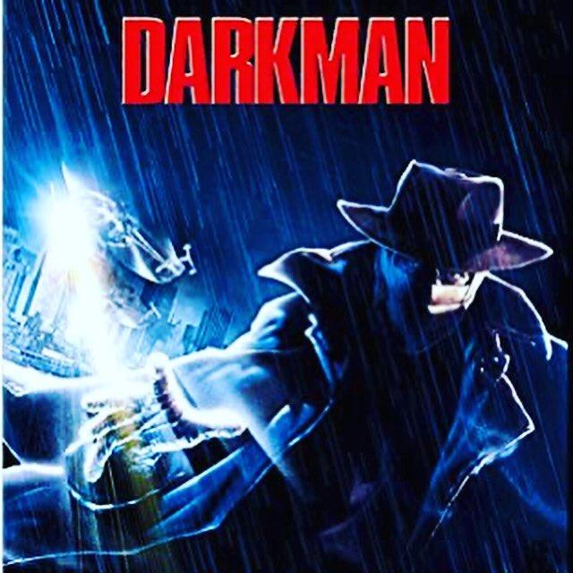 Segunda recomendación de hoy es #darkman dirigida por #samraimi y protagonizada por #liamneeson y #francesmcdormand Disponible en Peacock. https://t.co/mznv4vlbqI