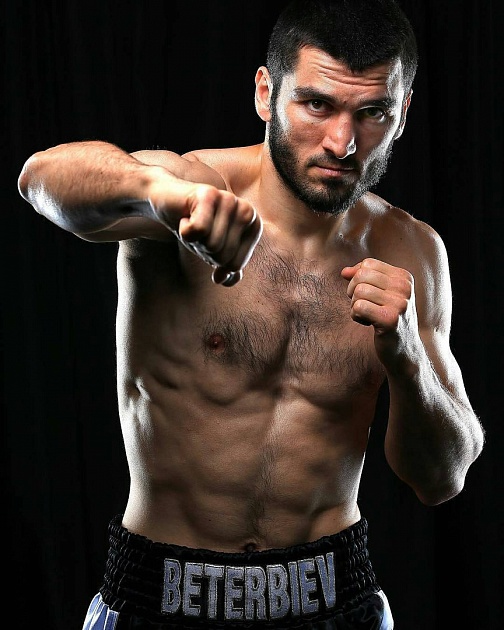 Artur Beterbiev(15-0/15kos) El tipo que menos respeto recibe de la comunidad boxística, SIN DUDA. En su 5ta pelea destruyó a Travoris Cloud y desde ese momento ha sido el terror de las 175 lbs.  ¿Que piensas sobre Artur Beterbiev? #boxeo #boxing #Toprank #beterbiev https://t.co/JyphMU8pcI