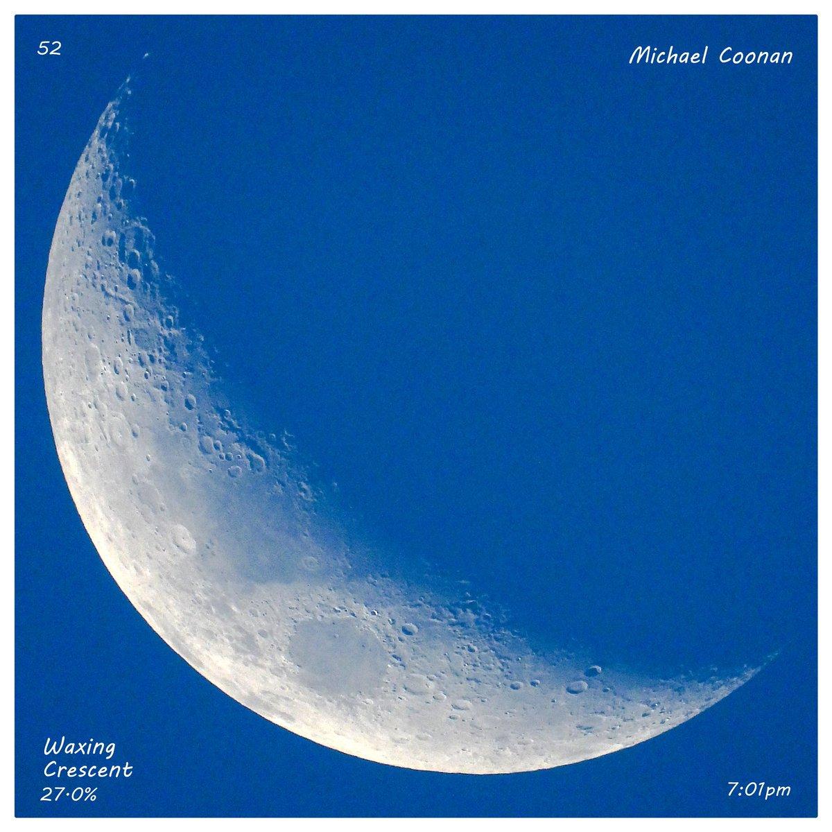 Wednesday October 21st Waxing Crescent Moon 27.0% in Wodonga Australia #StormHour #moon #luna #moonshot #Moon_awards #astrophotography #astronomy @CherScheff @KayMcCaffery1 @PicPublic @PicPoet #500pxrtg @ThePhotoHour @BonfirePictures @500pxrtg https://t.co/bQyhT4N0JB