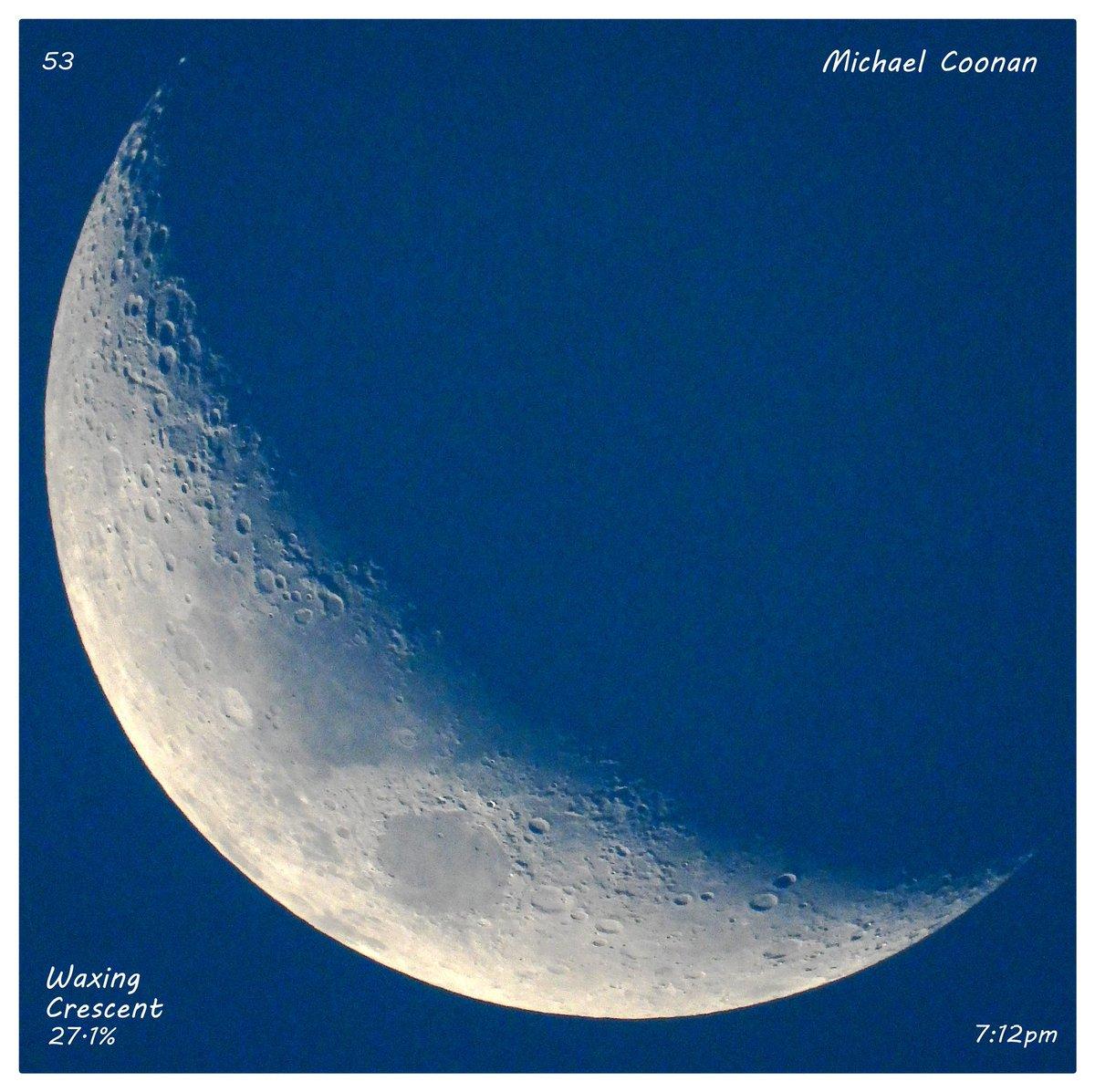 Wednesday October 21st Waxing Crescent Moon 27.1% in Wodonga Australia #StormHour #moon #luna #moonshot #Moon_awards #astrophotography #astronomy @CherScheff @KayMcCaffery1 @PicPublic @PicPoet #500pxrtg @ThePhotoHour @BonfirePictures @500pxrtg https://t.co/VBxssPNXye