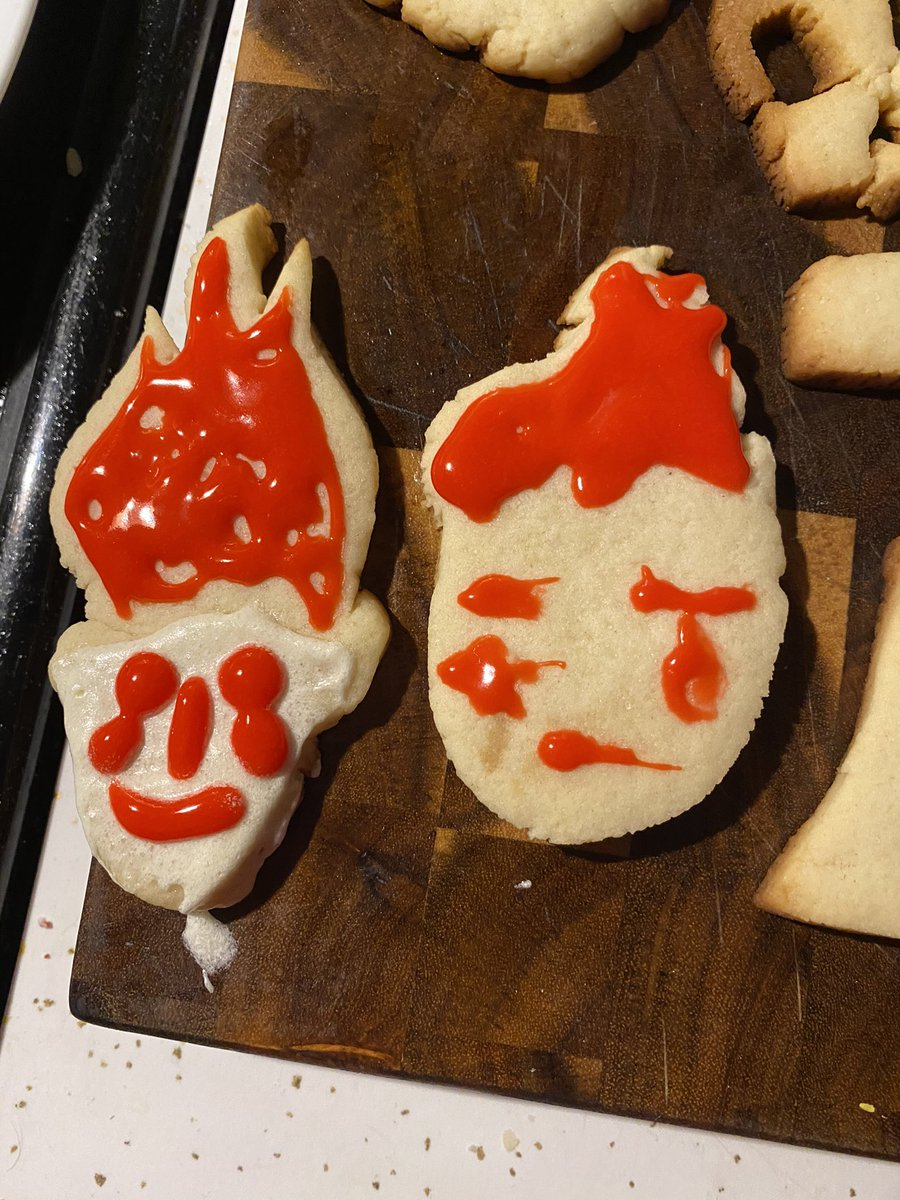 Made cookies today! Hisoka, squidward, sans, and more! #sans #halloween #hisoka https://t.co/148uJmAgkx