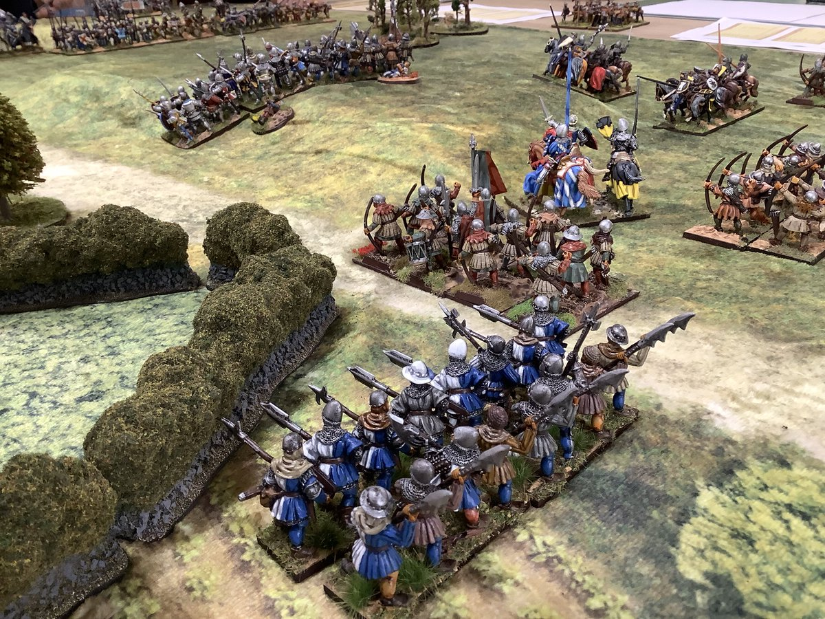#Impetus #medieval game, #English vs #French  #HYW. English army moves forward and gets a bit spread out. You can have multiple moves with these rules but you run the risk of getting disorganised. #wargaming #wargames #wargamer https://t.co/Dq2WKjF4nG