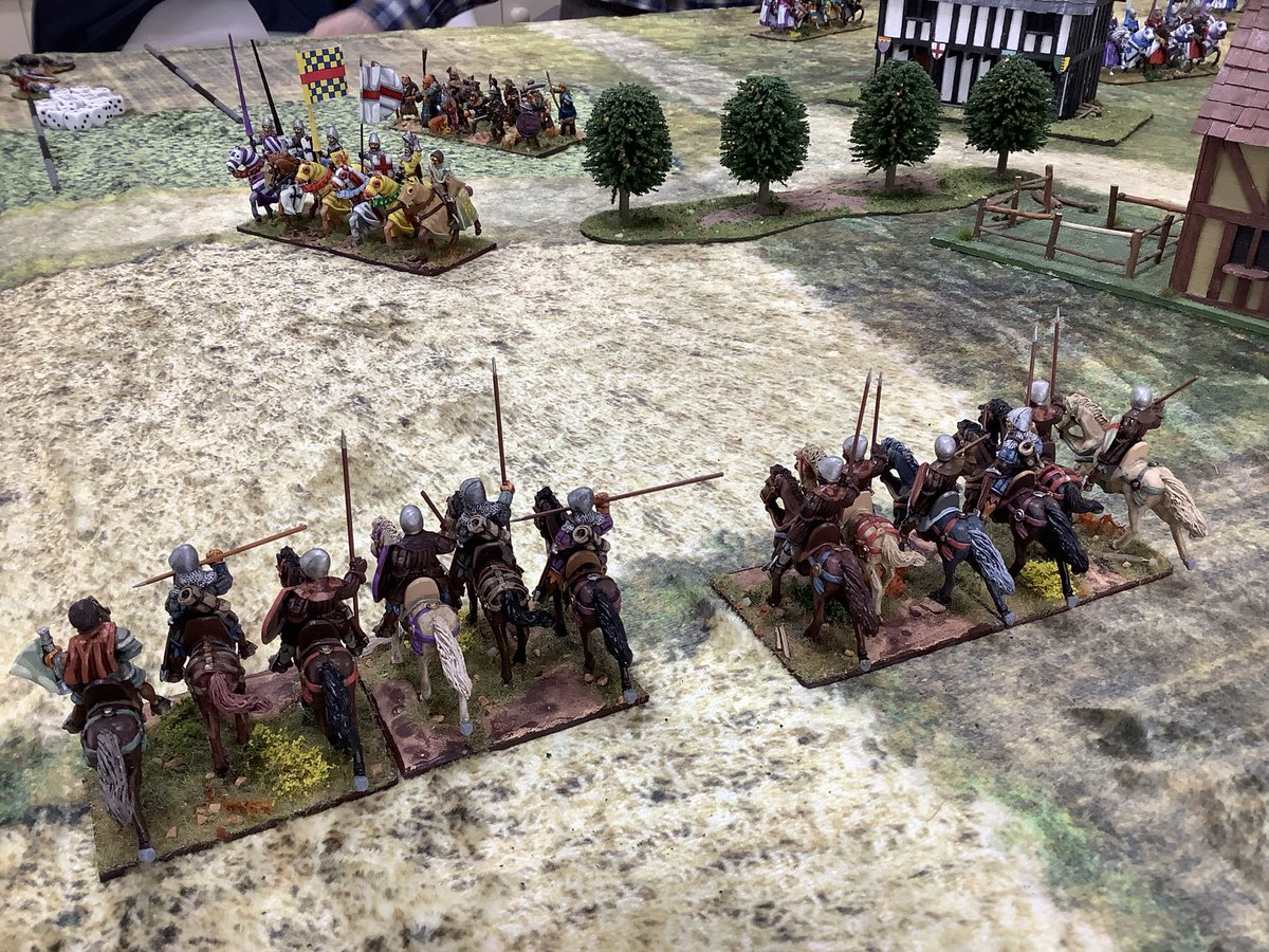 The #Hobilars come forward and decide to try their luck against the #French Knights and die to a man! Bad dice rolling didn't help them! #medieval #HYW #wargaming #Impetus #wargames #wargamer https://t.co/xXJZwD4mEk