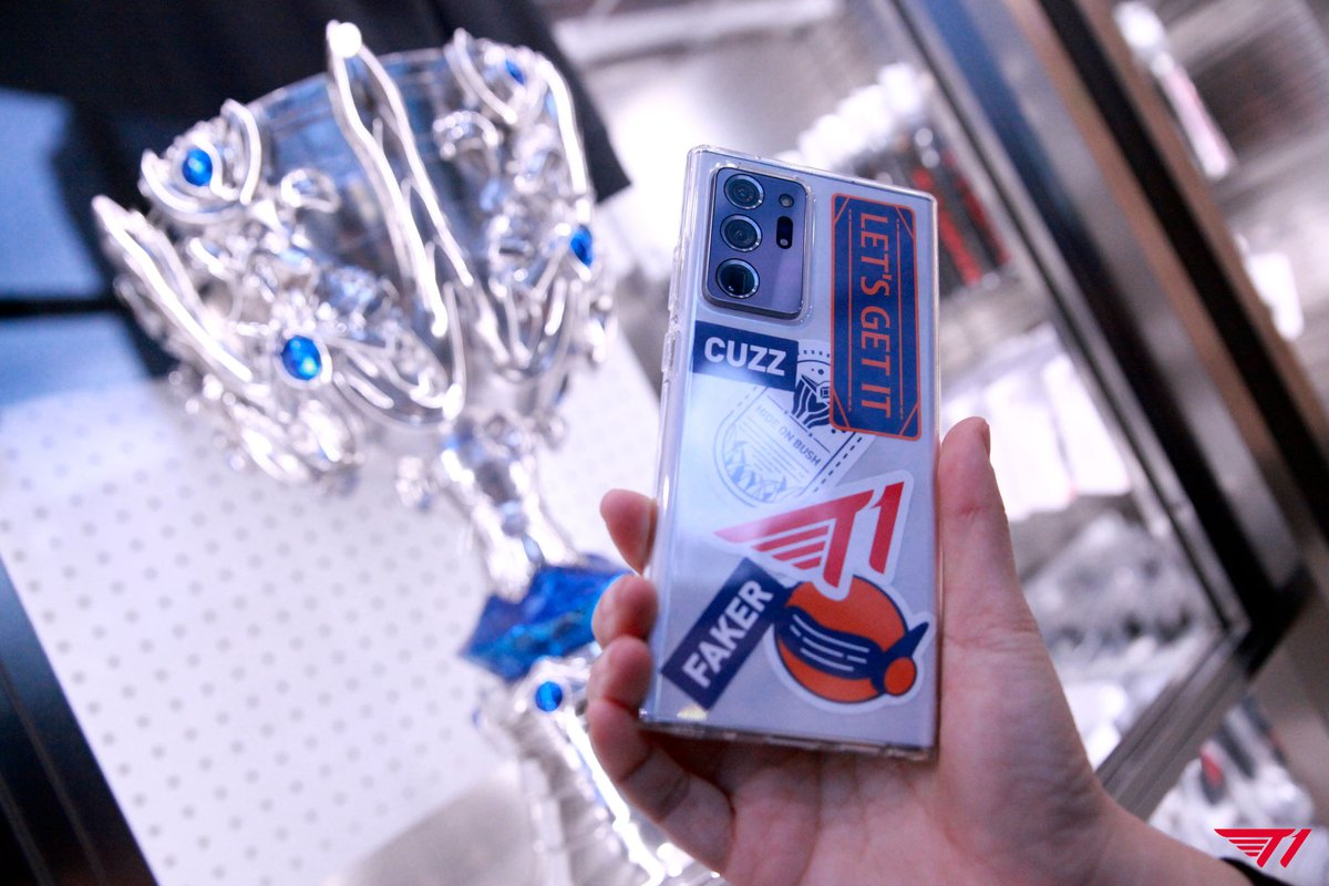 lol_Khan - [T팩토리 오픈 안내]  2013년 롤드컵 트로피부터 T1의 다양한 굿즈들을 만나보실 수 있는 T팩토리를 오는 31일 홍대에서 만나보세요.  #T팩토리 #SKTelecom #SK텔레콤 #SKT5GX