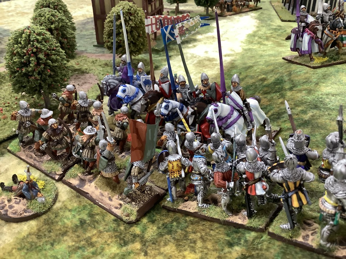 #French #knights hit the #English #longbow while the #English knights hit a French pike block, ouch! Swirling melees across the table #wargaming #Wargames #wargamer #medieval #HYW #HundredYearsWar https://t.co/OIj2Pb8EVI