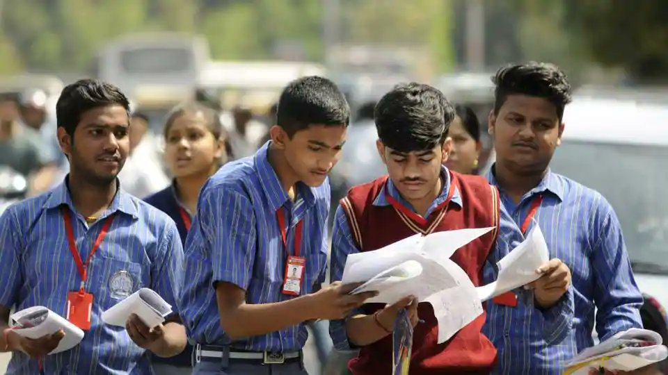 Three months after CBSE results, class 10 students yet to get marksheets  (Reports @lifeofapatrakar)  https://t.co/O4l76c1mNp https://t.co/K3z6exOcHl