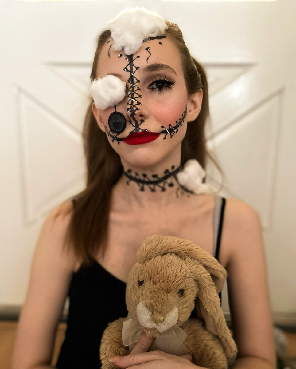 """tayraeiscray - """"wanna play a game with me?"""" 🧸  I know I've been missing quite a bit of my favorite month, so I thought I'd make up for a little lost time with some fun makeup looks leading up to halloween! 👀"""