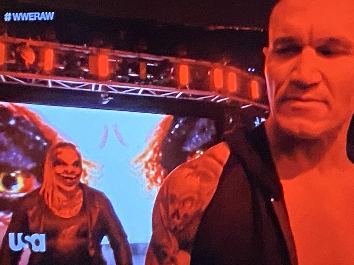 Don't look @RandyOrton   You won't like what you see   #RAW #RandyOrton #TheFiend https://t.co/7UrBPyuNpL