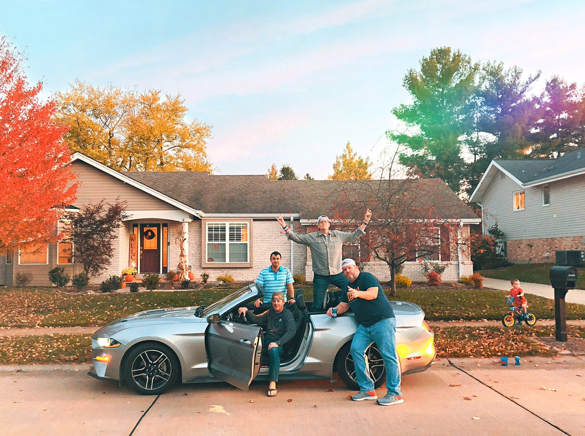 Introducing the hottest new band - The Suburban All-Stars! #mustang #rental #stl https://t.co/VRfmf5nveK