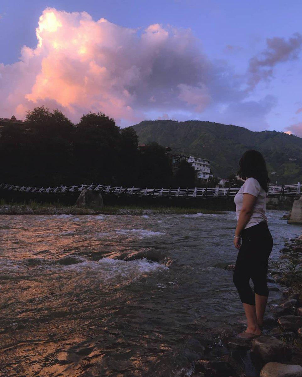 Rohru  Photo 📸 - Minal Panta (IG - minalpanta)  #IncredibleIndia #india #mountains #himachalpradesh #beingpahadia #TravelTuesday #travelphotography #TravelSafeTravelMindfully #PhotoOfTheDay #photo https://t.co/GXnciYFDWe