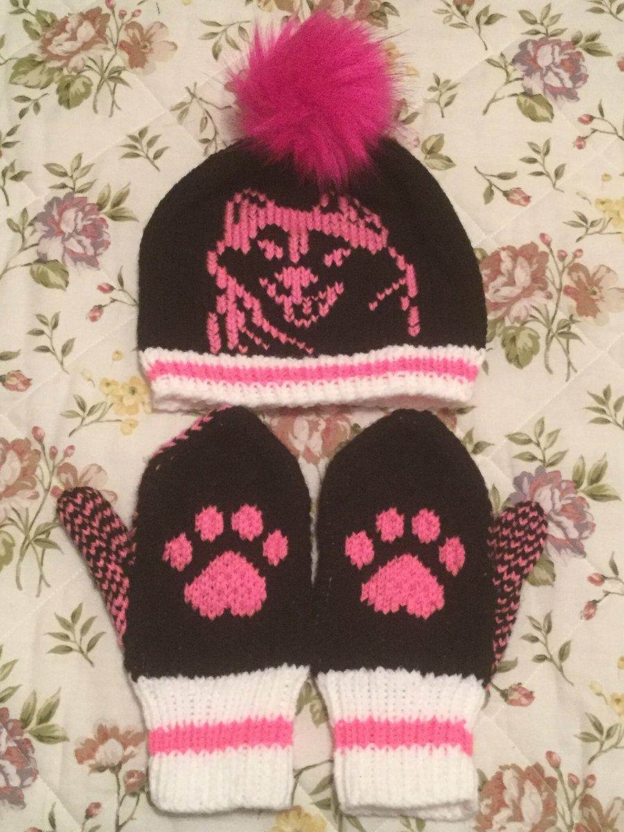 #knitted #christmas #order #esty #handmade #SmallBusiness #knitting #glasses #ornament #plates #mugs #beermug #pillowcase #christmas #Stickers #stocking #snowman #drawing #art #mummer #SnowMan #HandmadeHour #horse #husky  #signs #items #Newfoundland #nl #socks #Toronto #selling https://t.co/ywmWpupRrl