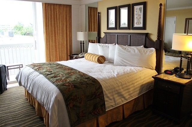 Photo By LLBartlett | Pixabay - via @Crowdfire    #hotelroom #guestroom #florida #travelphotography https://t.co/uG0xwVCAPj
