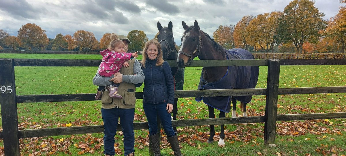 A great time was had by this family on their personal tour of the National Stud. Would you like to book your own tour? Give us a call to discuss on 01638 501122.  #guidedtours #exclusiveexperiences #newmarket #escapetheeveryday #specialoccasion #celebrate https://t.co/K9sB9YheGM