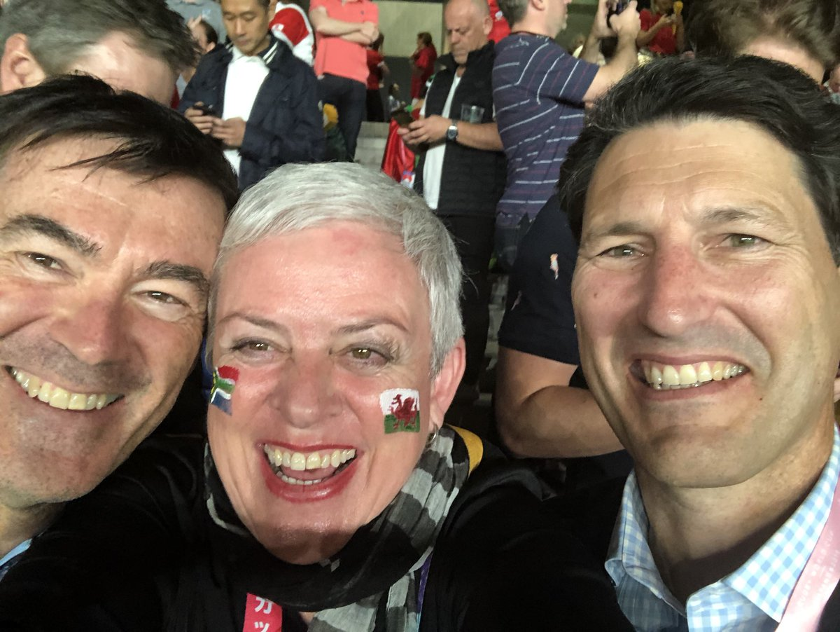 This time last year. At the rugby with two blokes called John!!  Seems like a decade ago. What fun we had. #Japan 🏉🇯🇵🇦🇺 https://t.co/v2tgoVglS9