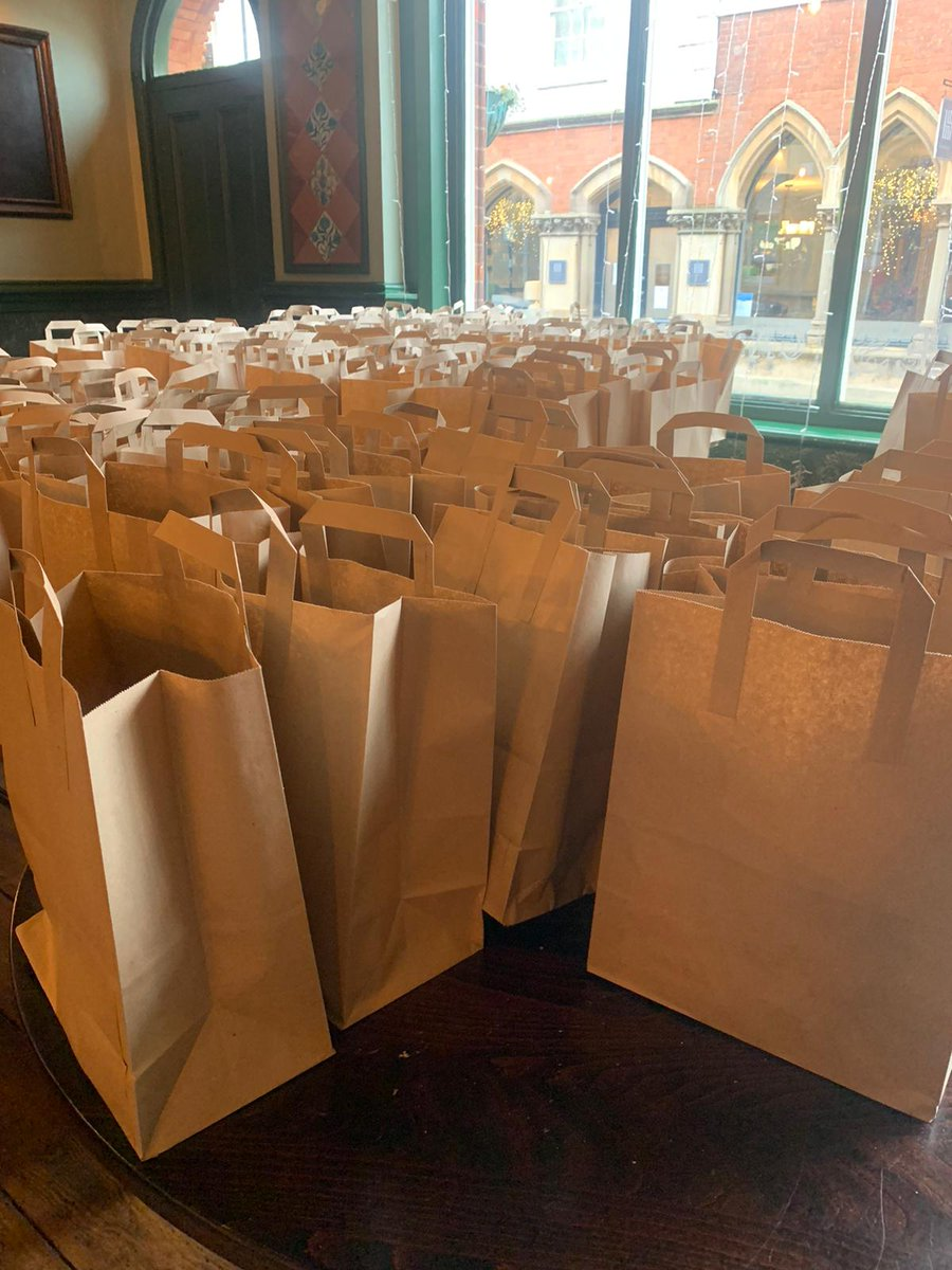 We have 150 packed lunches ready @OldCoffeeTavern in Warwick for any child eligible for free school meals. Simply text 07403722561 to order stating how many you need and ham or cheese preference! No child shall go hungry. #endchildfoodpoverty #NoChildShouldGoHungry https://t.co/osXAFstkIT