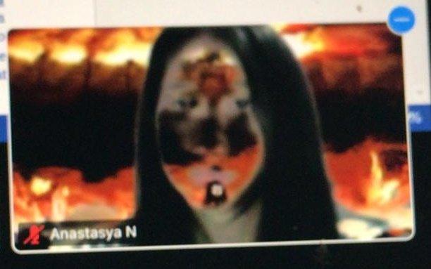 Anastasya Narwastu On Twitter Balada Tasya Pake Background Aot Kebakaran Di Zoom