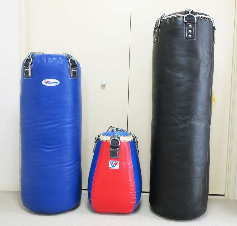 家にサンドバッグが四つあると、突き、蹴りの練習は飽きずに遊べる(笑) #柔道 #空手 #柔術 #芦原空手 #極真空手 #ボクシング #キックボクシング #アームレスリング #格闘技 #護身術 https://t.co/CbvXoDNO9C