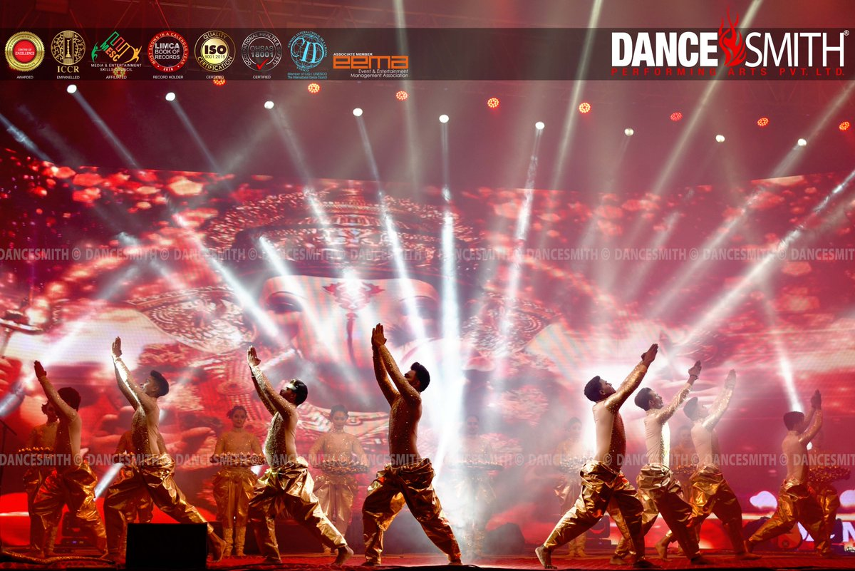 Ganesh Vandana  #dancesmithindia #dancelove #dancelover #dancecrew #dancephotography #dancer #artist #bollywooddance #GaneshVandan https://t.co/YLH18sB9Pw