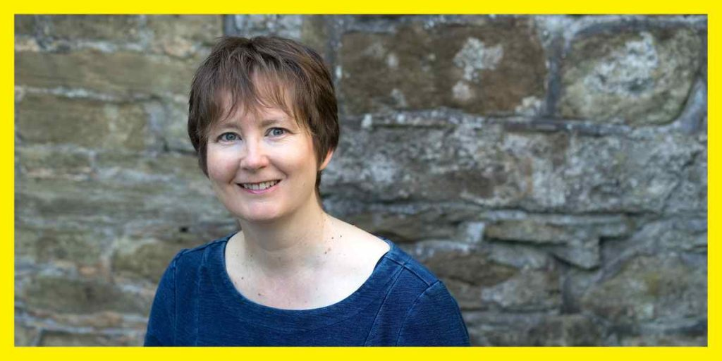 'The first thing I write is, oddly, the blurb for the back cover. I figure that if I can't capture the essence and heart of the story in a succinct way, I'm not ready to start writing yet.' We talk #writing with author @LindaGreenisms: https://t.co/cJ6hUQxO6e  #amwriting #WIP https://t.co/qBzcHhSLDn