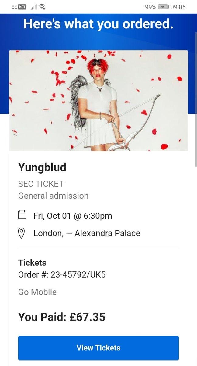 @yungblud See you SOON!!!! 🖤🖤 #fucktrump #yungblud https://t.co/y8wuP9DBW0