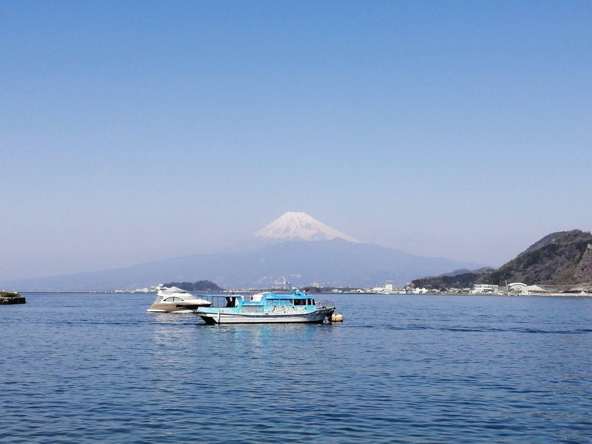 #沼津旅行ベストショットを晒す見た人もやる  淡島から見えた富士山🗻 https://t.co/AkkNfpSCkg