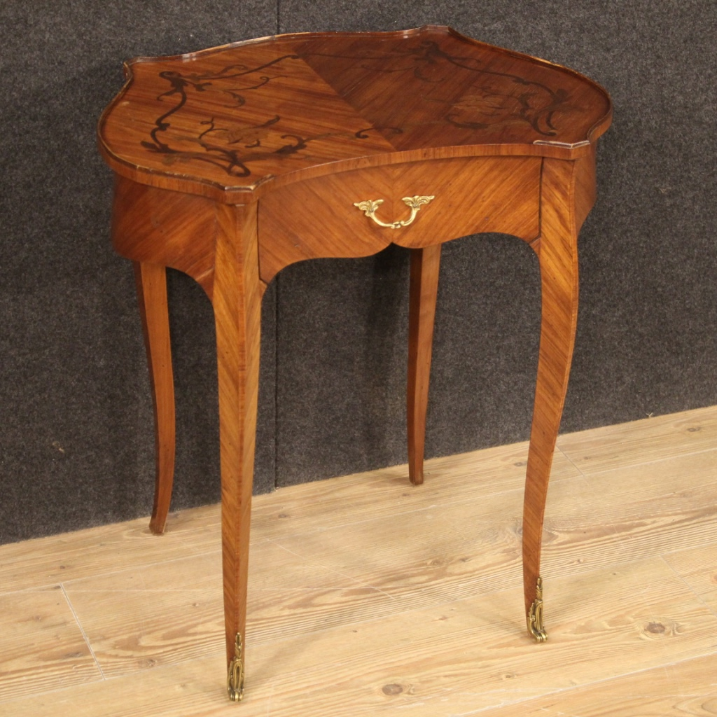 1150€ French side table inlaid in palisander, mahogany and rosewood - cod 9149 https://t.co/lDInSKUVlt #FORSALE #antiques #antique #antik #antiqueshop #antiquariato #antiquestore #antiquario #designinterior #antiqueshopping #interiordesign #interiordesigner #sidetable https://t.co/GA26WBsy0L