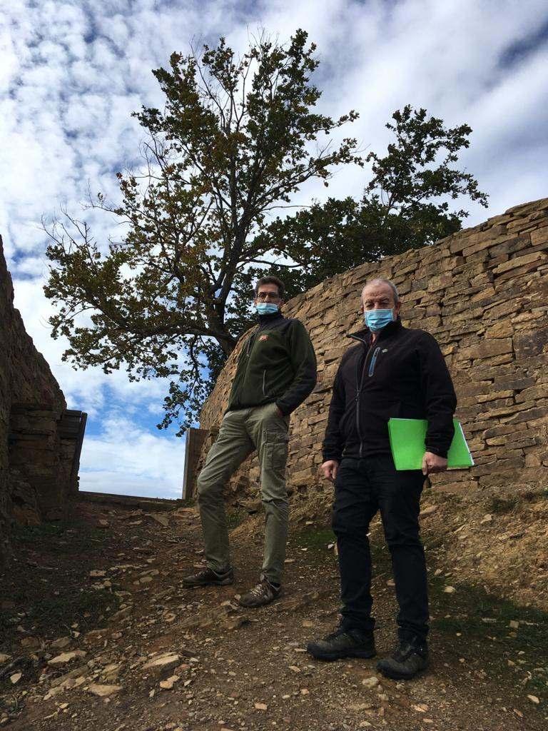 🔴 @jonartano Bolunburuko aztarnategitik sartuko zaigu, @arllamosas arkeologoarekin eta aztarnategia aurkitu zuen Koldo Diez De Mena basozainarekin  🔊Jarraitu hemen 👇 #zuzenean https://t.co/UAhJpdGsbo  #Faktoria https://t.co/YUBHVnv4Z4