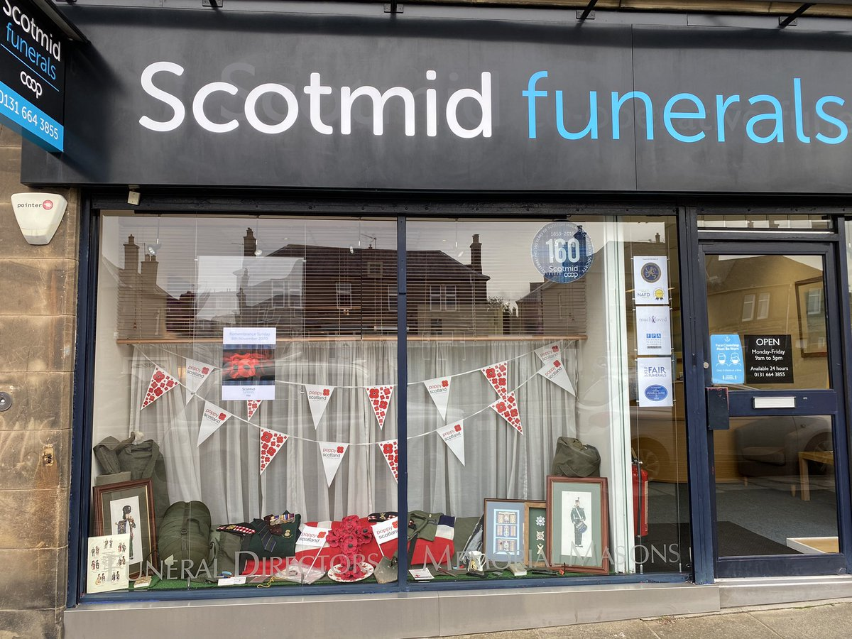 The window display at our Liberton Brae office looks amazing, thanks to the hard work of our funeral arranger Allan, who created a beautiful and poignant tribute to all those who have gone before us  #Poppy #Poppies  #RemembranceDay  #LestWeForget 🌺 https://t.co/cCEN8vdPAl