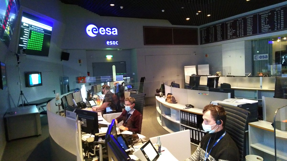 ESA's #missioncontrol centre is preparing for the launch of #Sentinel6 on 10 Nov.  In particular, teams are rehearsing the 'Launch and Early Orbit Phase' – the riskiest period in the fledgling spacecraft's life  Find out more🛰️👉
