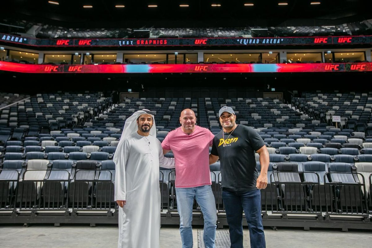 As @YasIsland says farewell to the spectacular 'Return to Fight Island', we prepare to welcome the future of @ufc  to our state-of-the-art venue. We can't wait to see you soon, @DanaWhite and a big shoutout to @DCTAbuDhabi and #YasIsland for putting on a spectacular show. https://t.co/ZpFnw9iRt1