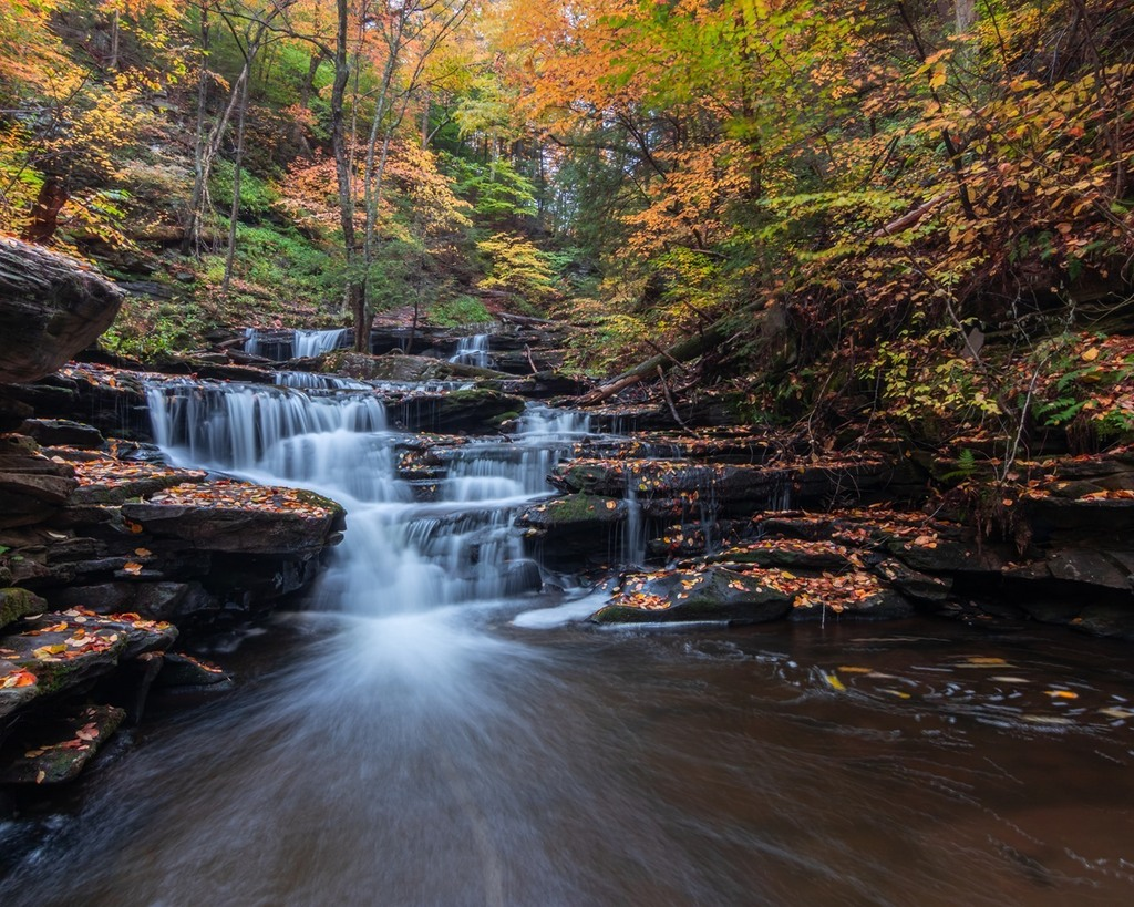 An Indigenous People's Day adventure to Ricketts Glen in Pennsylvania.⁠ Super long exposure for the effect in the pool.⁠ ⁠ #longexposure #longexposure_shots #landscape #waterfall #natureaddict #gochasingwaterfalls #longexpoet #nature #artofvisuals #n… https://t.co/GiVNsenfOA https://t.co/VvobASFKrw