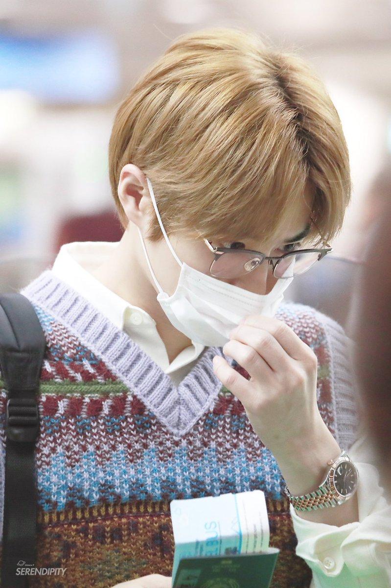 181027 ICN  #EXO #수호 #준면 #SUHO #Junmyeon @weareoneEXO https://t.co/M2C7TPlF6w